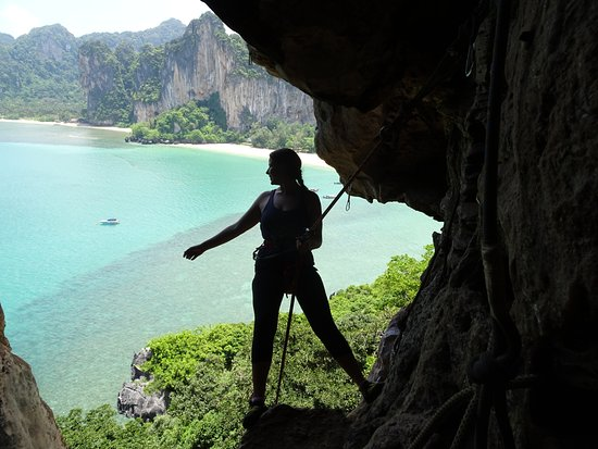 Real Rocks Railay - Day Adventures: Self-rapeling out of the cave