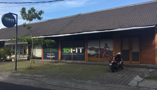 Kerobokan, Indonesië: The 15FIT Bali Fitness Training Studio, located in a relaxed residential and green belt area of