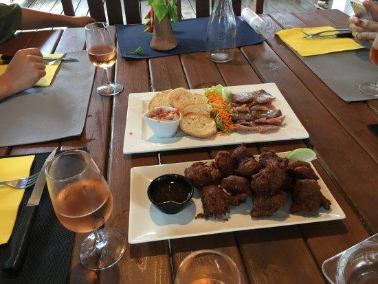 Grand Bourg, Guadeloupe: Accras et rillettes de poisson pour l'apéro