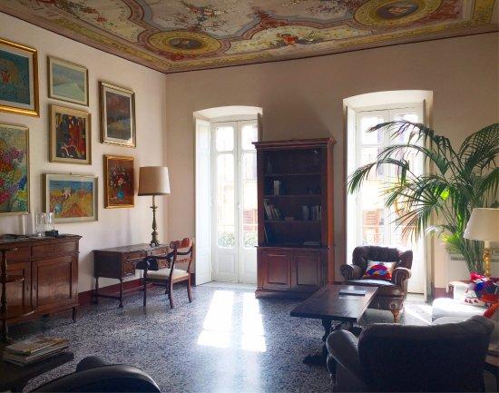 Bellezza Suites Luxury Rooms