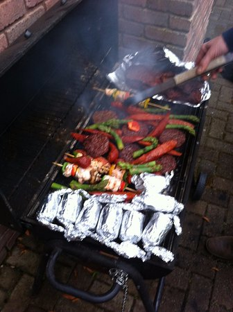 Fermanagh Lodges: BBQ at the side of the house got plenty of use