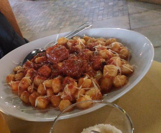 Apecchio, Italien: gnocchi con sugo al CAPRIOLO