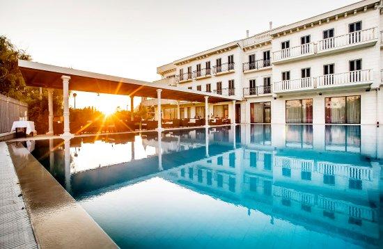 Hotel President Solin Photo