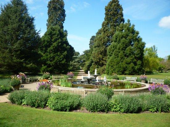 The Lake Picture Of Cambridge University Botanic Garden