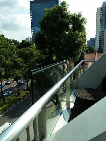 Santa Grand Hotel Bugis: Pict from Balcony & at swimming pool