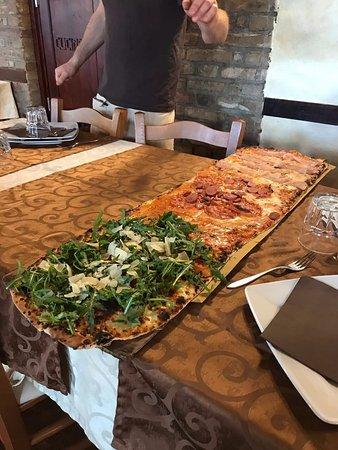 Pizza al Metro L'Osteria: Spettacolo