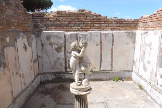 Ostia Antica, Italia: プシケとキューピット(かわいい)
