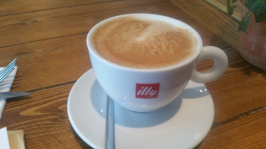 Wincanton, UK: Flat White