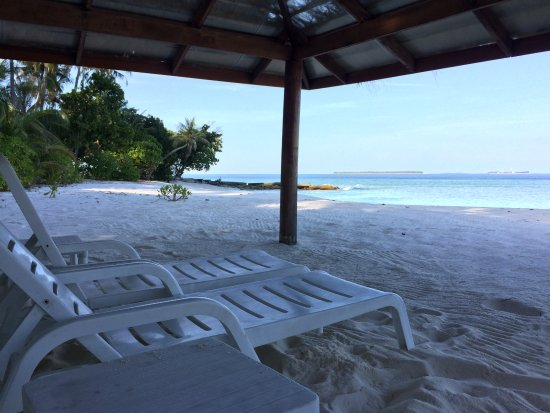 Veli Retreat: Picnic Island Lounges