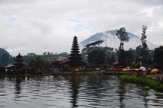 Agus Bali Private Tours: Tempel in het kratermeer van Bratan