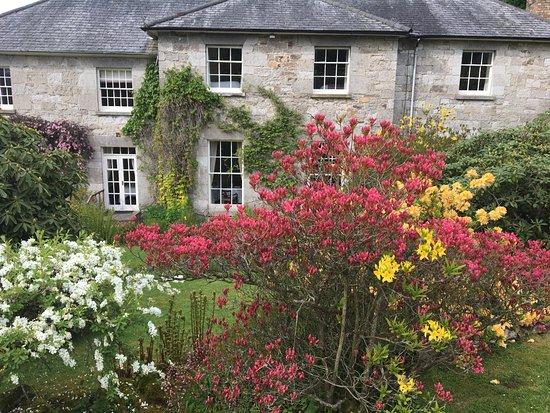 Pen-y-Dyffryn Country Hotel: Beautiful gardens!