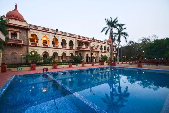 Sandur, الهند: Western Facade