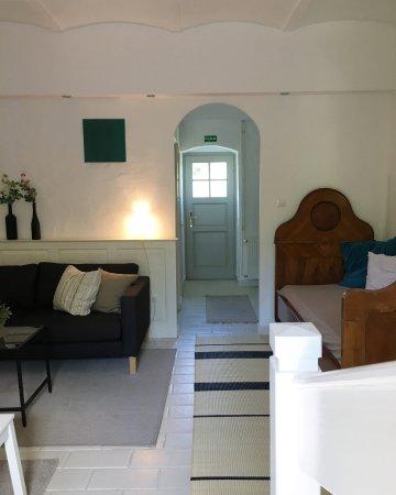 Köveskál, Magyarország: Az egyik lakosztály/ nappali szoba