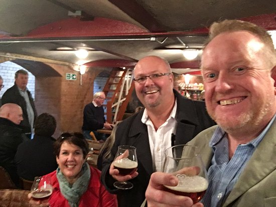 Hook Norton, UK: Generous tasting after!