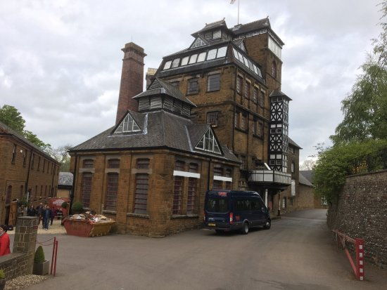 Hook Norton, UK: Original building still used for brewing since 1880's