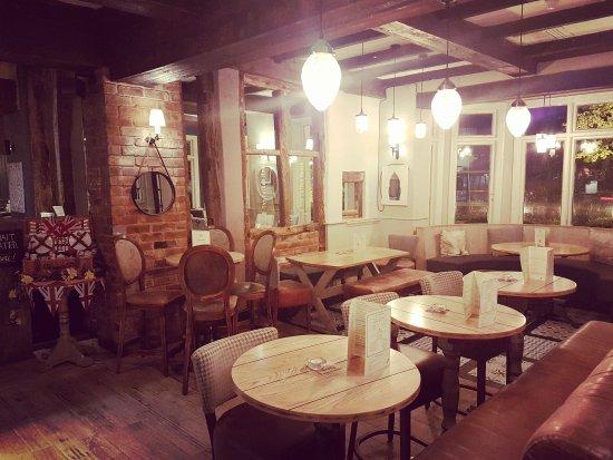 The Garden House: beautiful pub!
