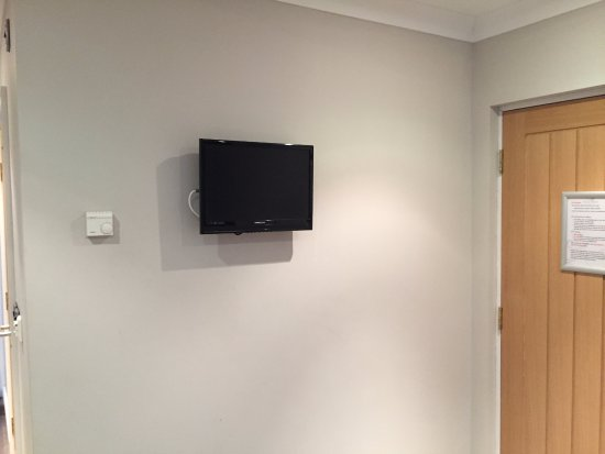 Caersws, UK: Tiny TV in sitting area
