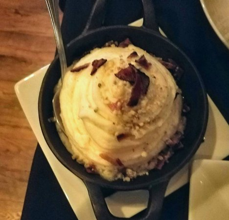 C Salt Wine Bar & Grille: Mashed potatoes with blue cheese and bacon