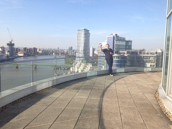 Crowne Plaza London - Battersea: Balcony of the Penthouse Suite