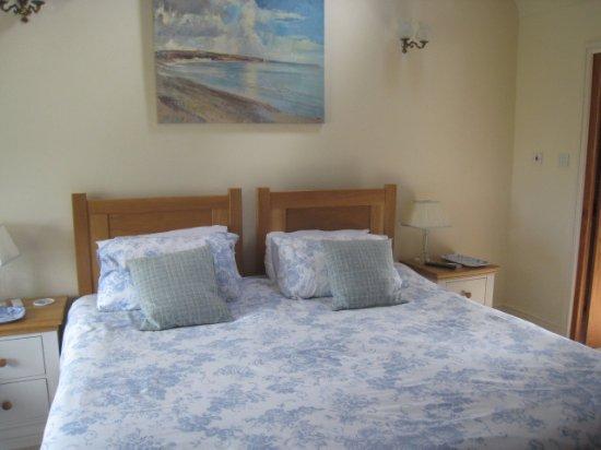 Benllech, UK: Comfy bed