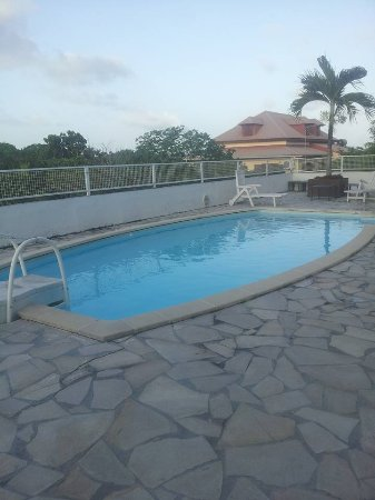 Residence le Zandoli: la piscine