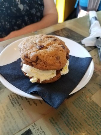 New Bedford, MA: Ice Cream Sandwich