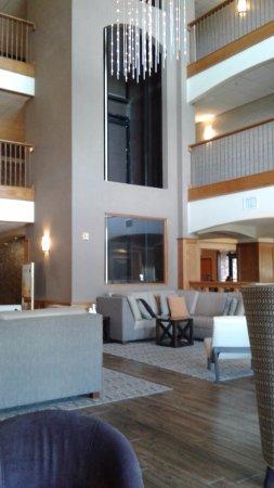 دروري إن آند سويتس لافايت: Lobby Area, Drury Inn