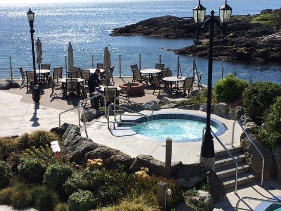 Oak Bay Beach Hotel Rooms