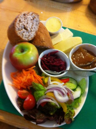 Kettlewell, UK: Tearoom food