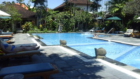 Bumi Ayu Bungalows: The Pool