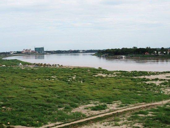 Sengtawan Riverside Hotel: View of the river.
