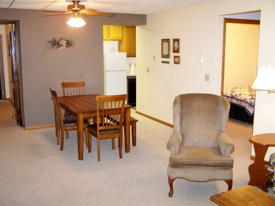 Preston, MN: Spacious Suites