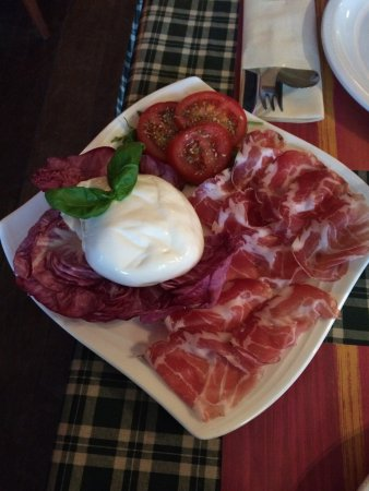 Casa Nostra: Burrata fromage