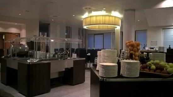 Novotel Milano Malpensa Airport : sala pranzo colazione