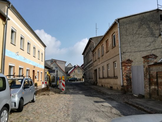Wolgast, Alemania: Schützenstraße...Wäre gut, hier würde die Stad mal die Strasse erneuern.