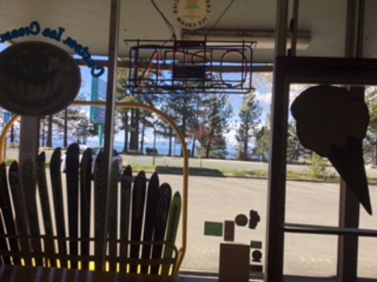 Aloha Ice Cream and Dessert Spa: view from inside across to the lake