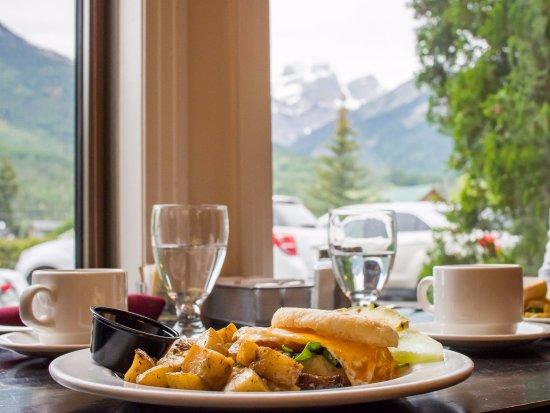 Park Place Lodge - Fernie BC - Max Restaurant