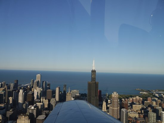 ‪Chicago Aerial Tours‬