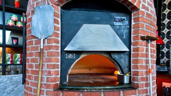 La Tratto Península: Horno para pizza