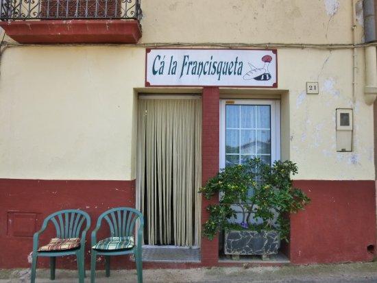 Llers, Spain: Entrada