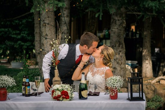 Victor, ID: Weddings are a specialty at Moose Creek Ranch