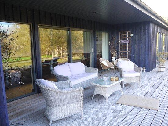 Roybridge, UK: verandah