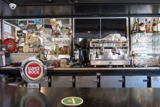 Sache, Frankrike: the bar