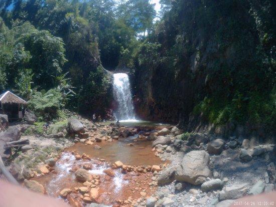 Pulang Bato Falls: 2017_0426_122046_004_large.jpg