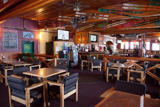 Park Place Lodge - Fernie - The Pub Bar & Grill