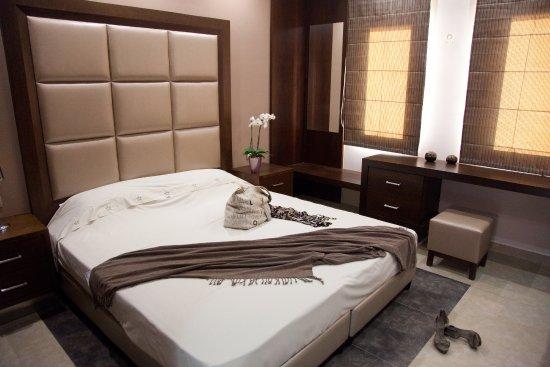 Golden Bay Suites Image