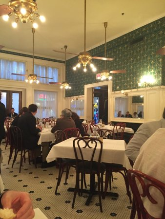 Galatoire's Restaurant: Dining room