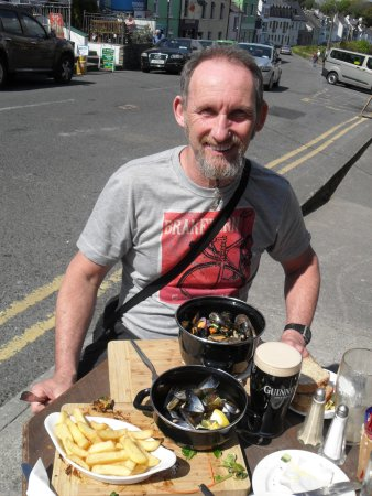 Roundstone, İrlanda: Mussels and Guinness!