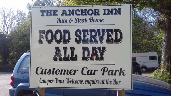 ‪‪The Anchor Inn‬: large car park‬