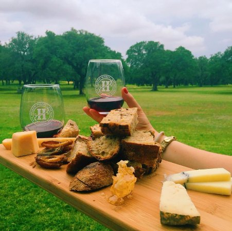 Hye, TX: Artisan cheese plates